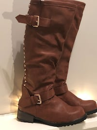 Size 6 1/2 brand new gold studded boots with gold back zipper Edmonton, T6L 6P5