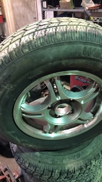 Tires195-75-14  and wheels   pontiac   -  chevy Quincy, 17268