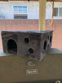 Cat condo good condition need cleaning  Whittier, 90606