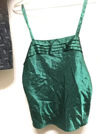 Silk Christmas green top Fresno, 93726
