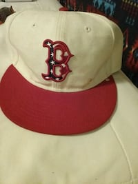 white and red Chicago Bulls fitted cap 1805 mi