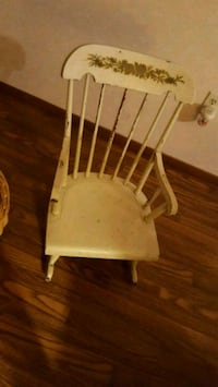 white and brown wooden chair Acworth, 30101