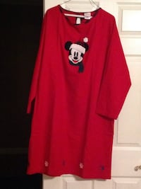 Christmas Mickey Mouse nightgown  Mobile, 36608