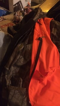 Orange cloth hhunting coat and pants and vest Hagerstown, 21742