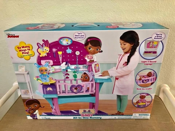 Doc McStuffins All-in-One Nursery ** NEW IN BOX ** 5b586139-582a-4c39-9290-00c01e6d1699