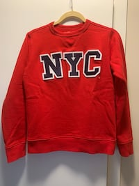 Sweater - Size small Vancouver, V5Y