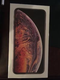 IPHONE XS MAX GOLD BRAND NEW IN BOX Price is negotiable Toronto, M6A