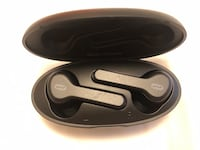 Bluetooth wireless earbuds Vancouver, V6P 4B4