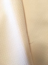 Approx 83x122 inches cream rectangle CLEAN tablecloth. Edmond