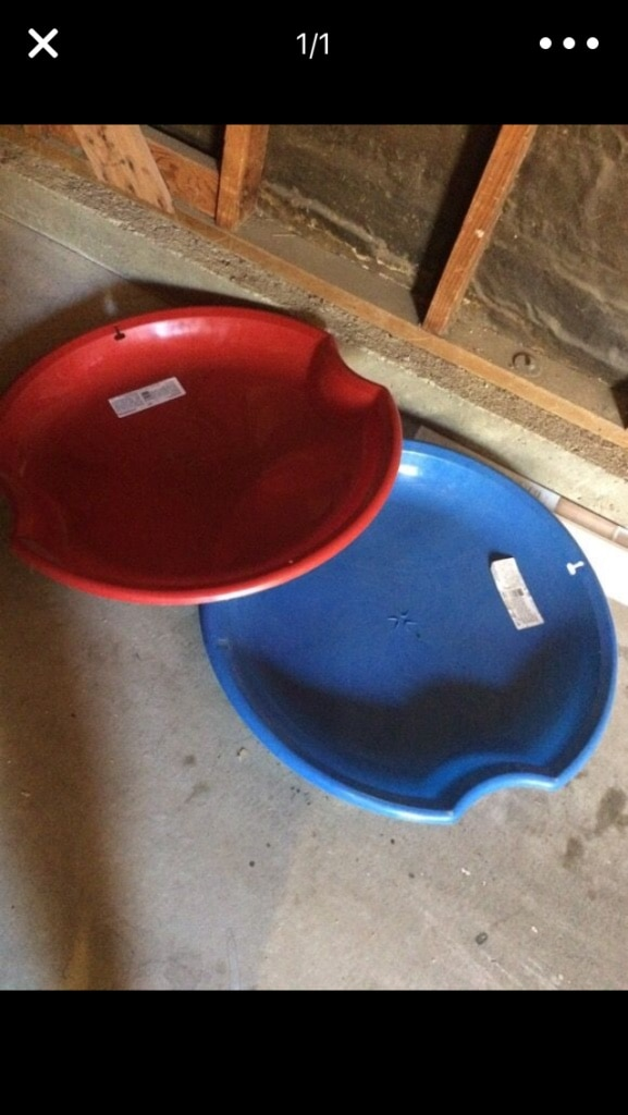 two red and blue plastic plates