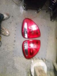 2006 Chrysler Town and country tailight assemblies Wilmington, 19804