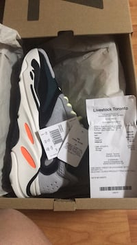 Yeezy 700 Wave Runners Size 8 Toronto, M3N 2C5