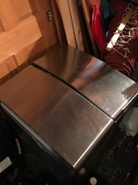 LG W/D pedestals.  Stainless steel finish Manlius, 13104