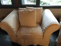 White leather sofa chair with throw pillow Montréal, H8Y