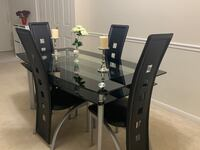 Dining table and chairs Falls Church, 22043
