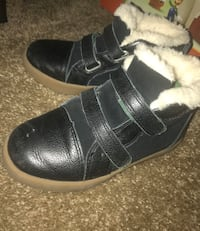 Kids Ugg boots size 12