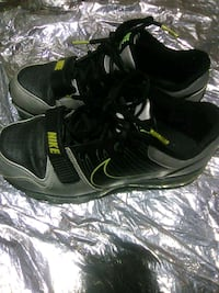 Nike flywire size 6 mens Surrey, V4P 3H2