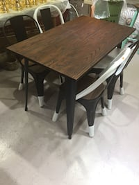 Liquidation: new table from the store  Montréal, H3G 2H8