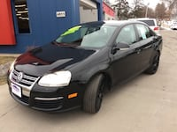 2010 Volkswagen Jetta Sedan 4dr Auto GUARANTEED CREDIT APPROVAL! Des Moines