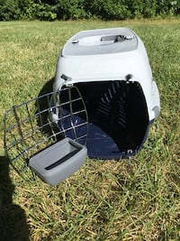 White and black pet carrier Woodbury, 08096