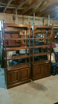 pair of solid wood shelves  550 km