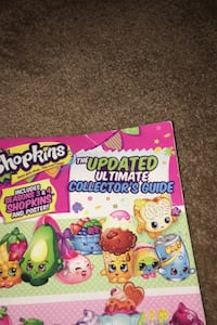 Shopkins updated ultimate collectors guide kids book Kelowna, V1Z 3K8