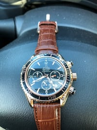Round gold-colored chronograph watch with brown leather strap San Jose, 95125