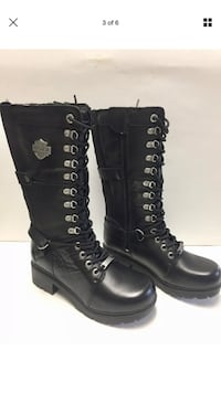 pair of black leather boots Madison, 04950