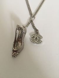 silver-colored chain necklace with pendant Toronto, M2R 3A8