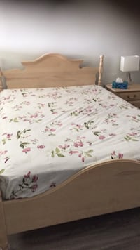 white and pink floral bed sheet Burnaby, V5J 2C7