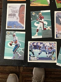 Assorted football and baseball cards Somerset, 02726