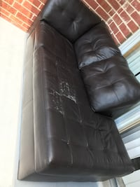 black leather tufted sectional couch Des Plaines, 60016