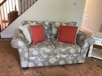 white and gray floral loveseat Fairfax, 22030