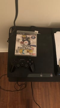 PS3 one controller all cords work everything works also have the last NCAA football game made included Tallahassee, 32304