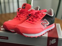 pair of pink New Balance running shoes with box Summerville, 29485