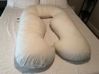 Full Body PREGNANCY PILLOW with Cover King City, 97224