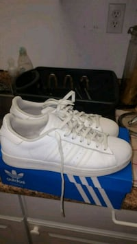 Mens White Superstar ADIDAS Shoes...SIZE 9.
