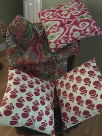 Twin sized quilt, pillow sham and 3 throw pillows  Thibodaux, 70301