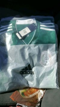 green and white Adidas shirt Torrance, 90503
