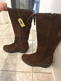 Fly London suede camel boot size 40 brand new in box and tissue, never used extremely comfortable. Great gift!  Toronto, M2N 4Y4