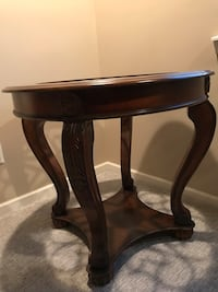 Maple pedestal with custom made beveled edge glass table top Macomb, 48044