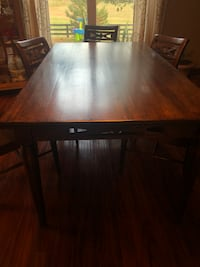 Pier 1 dining room table and chairs