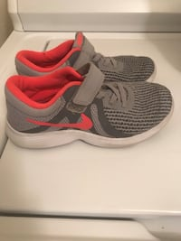 Nike shoes size 1Y like new clean Phoenix, 85032