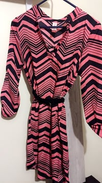 Pink and black chevron v-neck long-sleeved pleated dress
