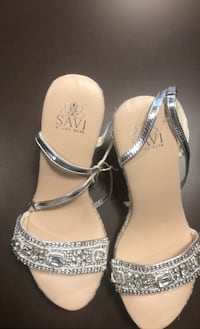 Cristal embroidered summer  sandals  Toronto, M8V