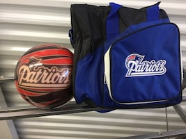 Patriots Bowling Ball and Bag new