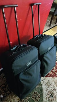 Two beautiful suitcase for only 60 excellent condi