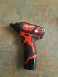 Milwaukee m12 driver with battery Kitchener, N2A 3P7