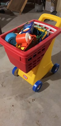 Yellow and red little tikes cozy coupe Frederick, 21703