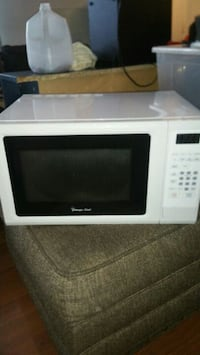 white General Electric microwave oven Alexandria, 22309